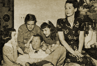 The initial cast of Father Knows Best, left to right: Norma Nilsson (Kathy), Ted Donaldson (Bud), Robert Young (Jim), Rhoda Williams (Betty), June Whitley (Margaret).